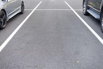 Parkplätze vor dem Haus